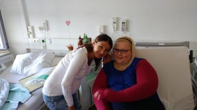 Pia Püttmann die Sanitätsfachfrau mit Herz. Sie kommt immer nach meinen OPS um mich auszumessen. Denn das A udn O ist eine enge gut sitzende Versorgung, nur so kann das bestmöglichste Opergebnis erziehlt werden.